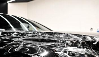 Jaką trwałość ma folia ochronna na samochód?