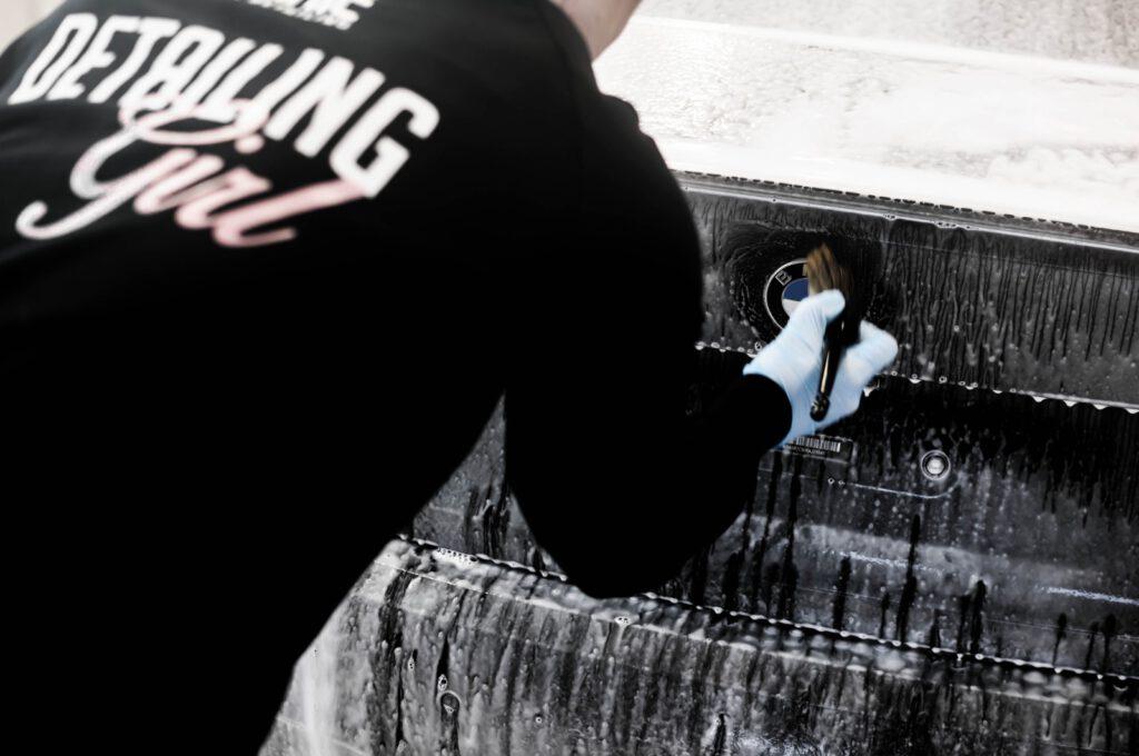 mycie ręczna auta